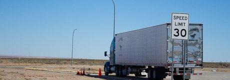 semi-truck-1499375_640